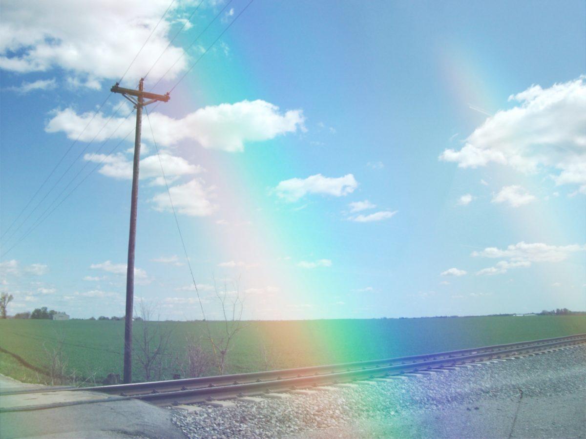 田舎風景に虹